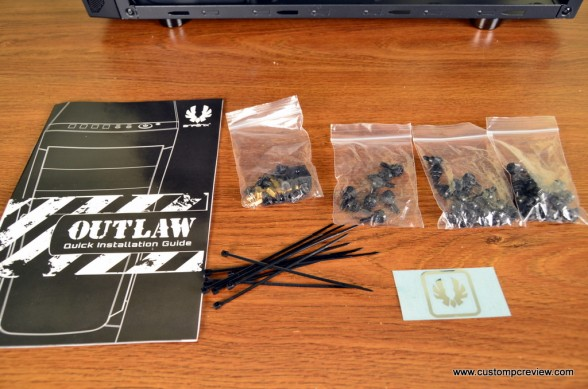 bitfenix outlaw unboxing 13