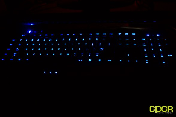 roccat isku custom pc review