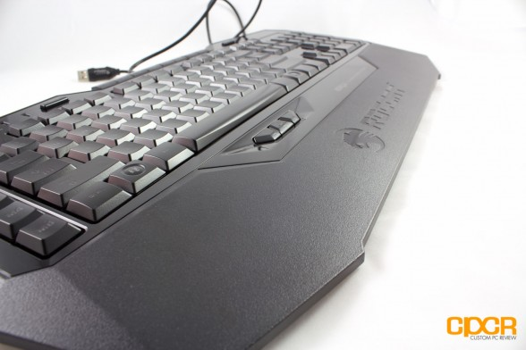 roccat isku custom pc review 6