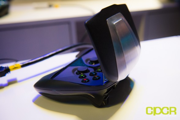 nvidia-project-shield-gaming-console-ces-2013-custom-pc-review-1