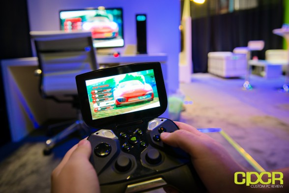 nvidia-project-shield-gaming-console-ces-2013-custom-pc-review-5