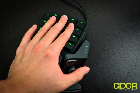 razer-orbweaver-mechanical-gaming-keypad-custom-pc-review-11