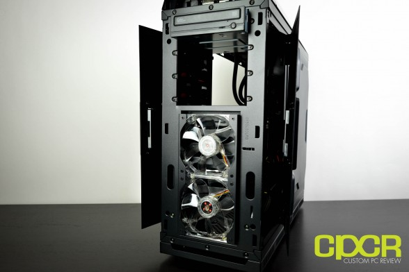 cyberpowerpc-zeus-evo-lightning-2000-se-custom-pc-review-11