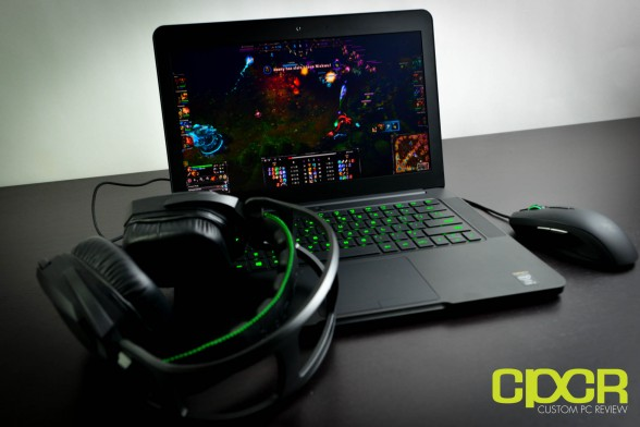 razer-blade-14-inch-gaming-notebook-custom-pc-review-11