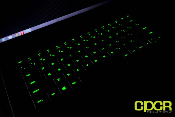 razer-blade-14-inch-gaming-notebook-custom-pc-review-9