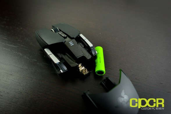 razer-ouroboros-wireless-gaming-mouse-custom-pc-review-15