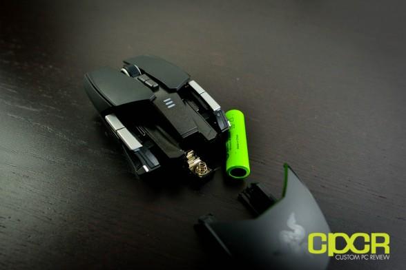 razer-ouroboros-wireless-gaming-mouse-custom-pc-review-15