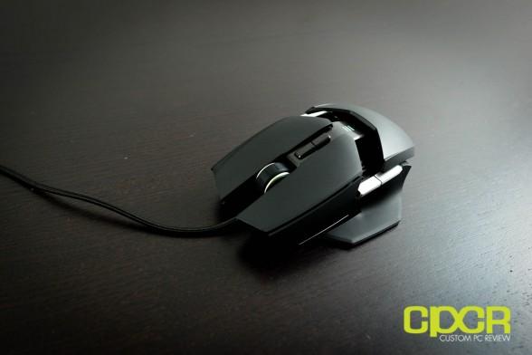 razer-ouroboros-wireless-gaming-mouse-custom-pc-review-19