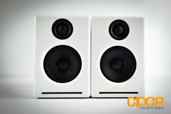 audioengine-2-plus-powered-desktop-speakers-custom-pc-review-5
