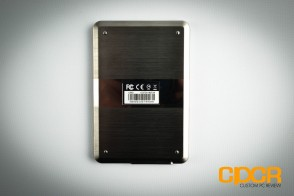 adata-se720-128gb-external-ssd-review-custom-pc-review-6