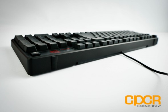 thermaltake-ttesports-poseidon-z-mechanical-gaming-keyboard-custom-pc-review-5
