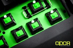 razer-blackwidow-ultimate-2014-mechanical-gaming-keyboard-green-custom-pc-review-25