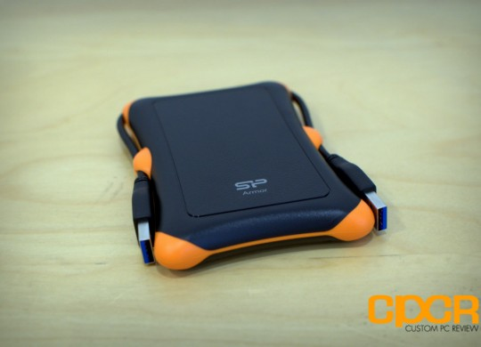 Silicon-Power-Armor-A30-USB-3-Shockproof-Portabld-Hard-Drive (4)