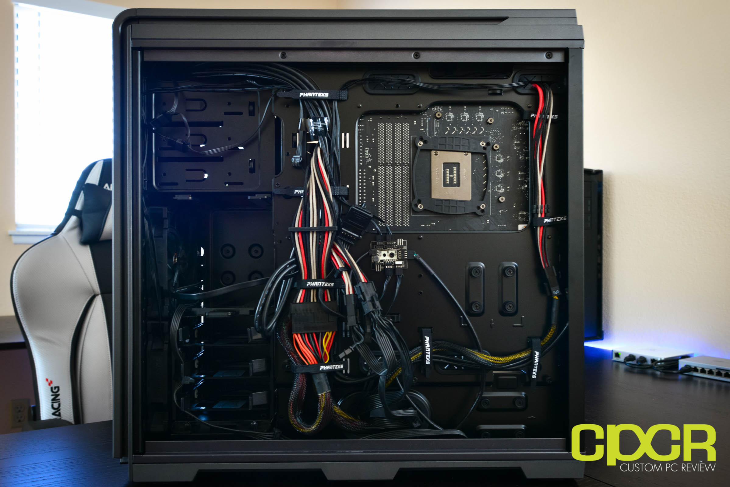Phanteks Enthoo Luxe Tempered Glass Review Full Tower Case Kabel Cable Power Cpu As Theres Plenty Of Space Behind The Motherboard Tray Really No Reason To Spend Too Much Time Organizing Cables However Included Velcro