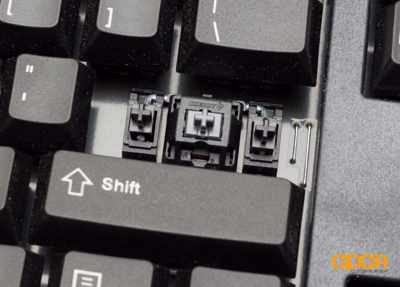 cherry mx board 3.0 silent custom pc review 7