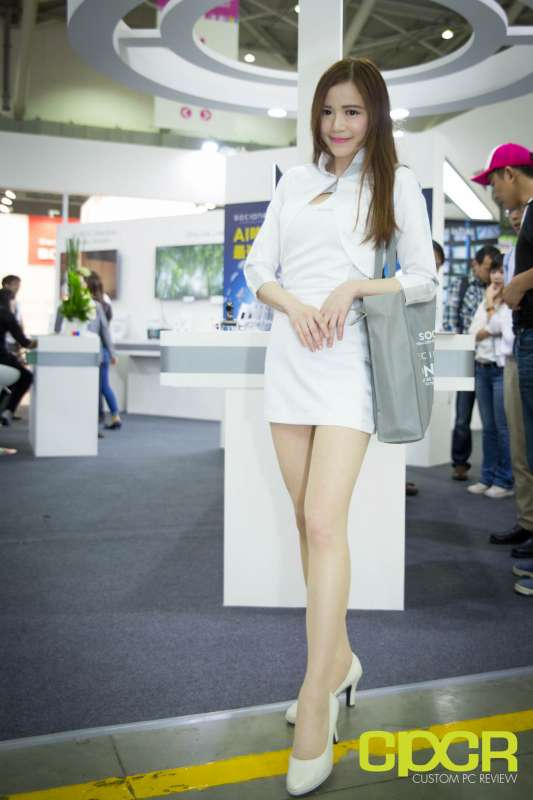 computex booth babes 2017 custom pc review 0003