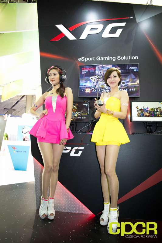 computex booth babes 2017 custom pc review 0025