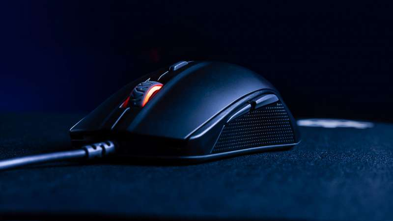 steelseries rival 110 gaming mouse press image 1